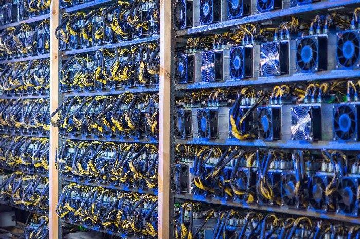 Mining at low cost BTC. Will bitcoin halving finish them at all?